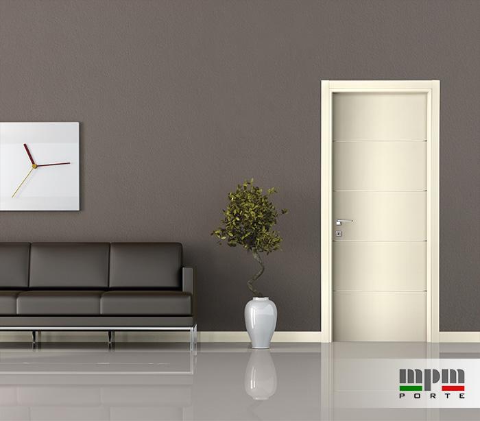 porta moderna con inserti in alluminio